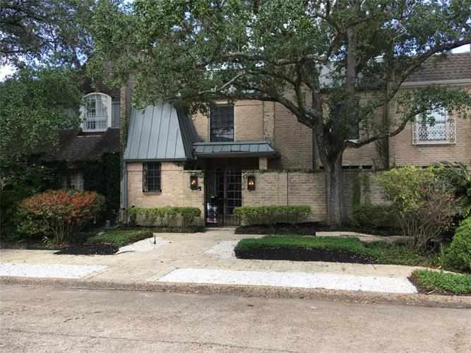 47 Bayou Pointe Drive, Houston, TX 77063