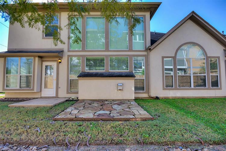 11102 W Sherwood Gardens Drive, Houston, TX 77043