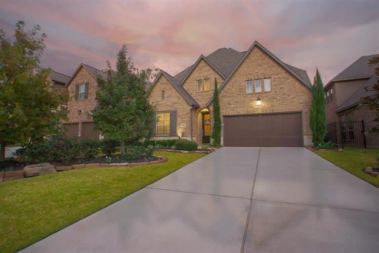 46 N Lochwood Way, The Woodlands, TX 77375 - Image 1