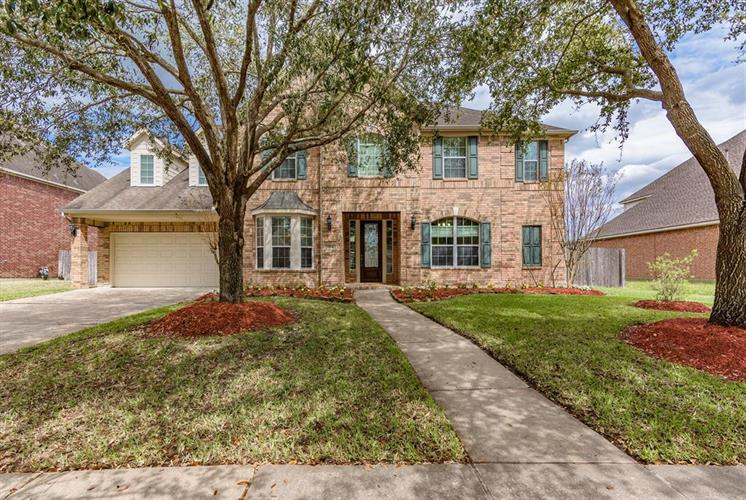 3104 Autumn Harvest Drive, Friendswood, TX 77546