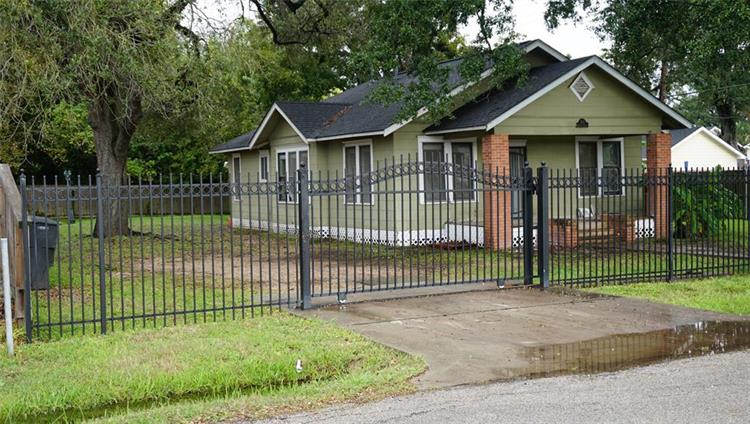 7831 Kingsley Street, Houston, TX 77087 - Image 1