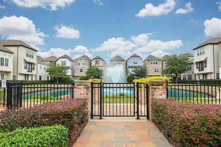 11029 Sherwood grove, Houston, TX 77043