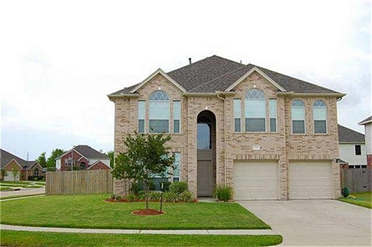 8802 Sunforest Lane, Pearland, TX 77584
