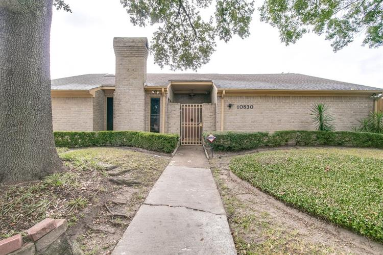 10830 Villa Lea Lane, Houston, TX 77071