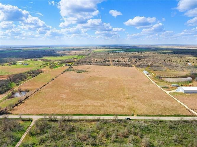1119 County Road 301, Elgin, TX 78621