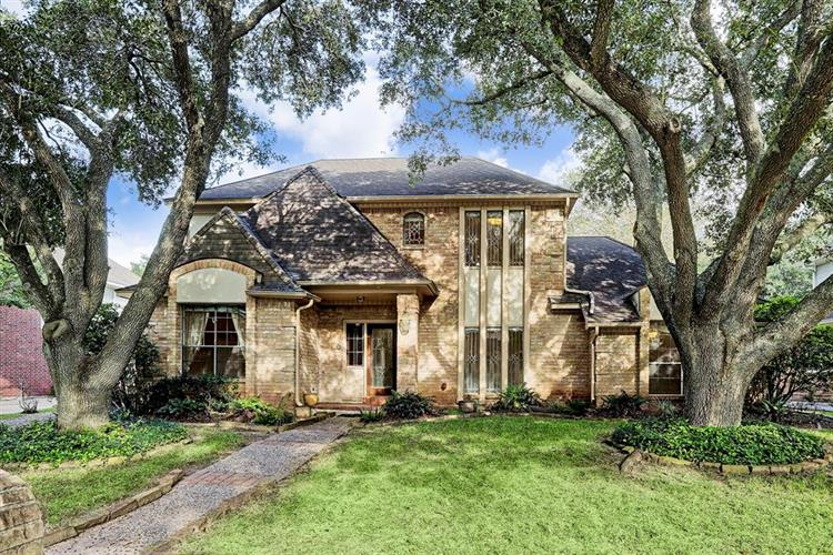 11810 Castle Ridge Drive, Houston, TX 77077