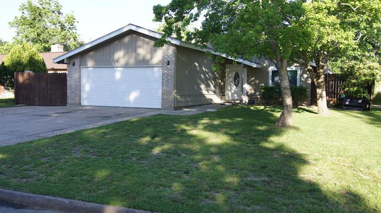 4407 Saffron Lane, Friendswood, TX 77546