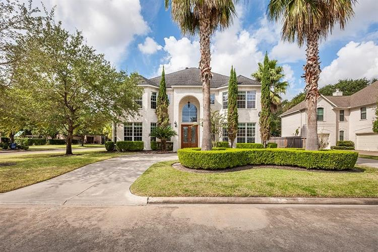 3903 Pinesbury Drive, Houston, TX 77084