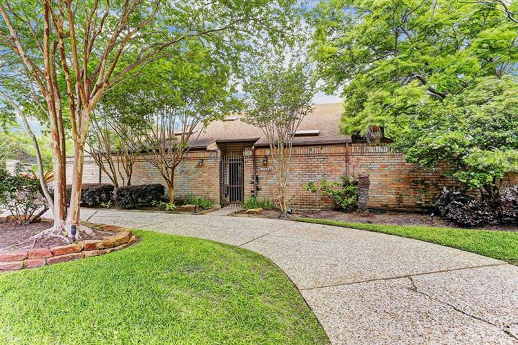 11506 S Lakeside Place Drive, Houston, TX 77077