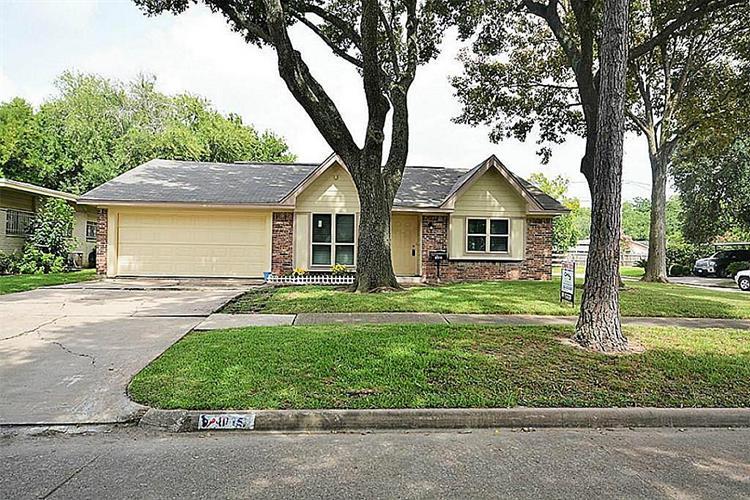 8015 bronson street houston tx 77034 mls 91367667 for Multi family homes for sale houston