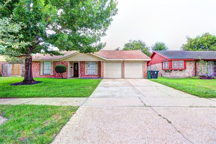3003 Lazy Spring Drive, Houston, TX 77080 - Image 1
