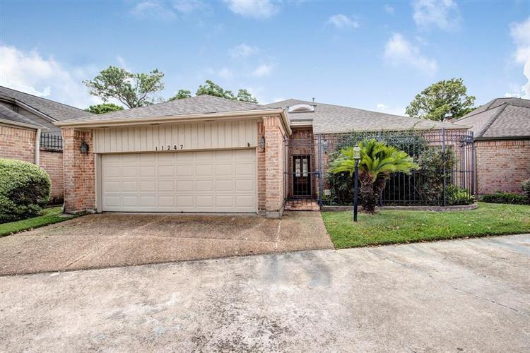 11247 Riverview Way, Houston, TX 77042 - Image 1