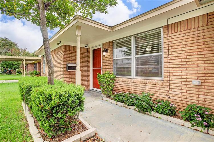 4411 Billingsley Street, Houston, TX 77009