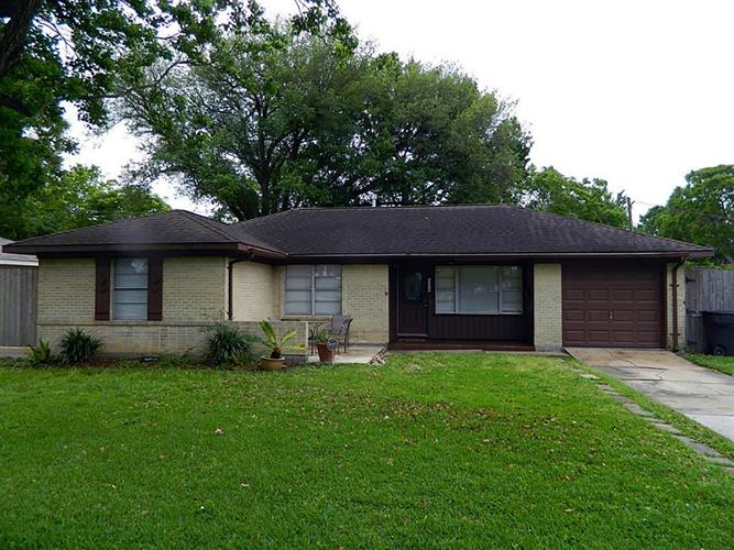 6229 Tanager Street, Houston, TX 77074