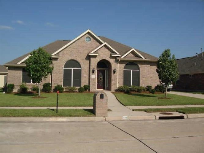 1109 Barkly Court, Pearland, TX 77581