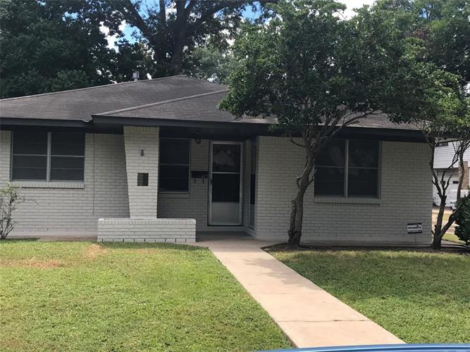 417 Atchison Street, Sealy, TX 77474