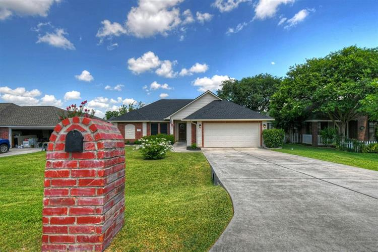 343 Leisure Lane, Montgomery, TX 77356