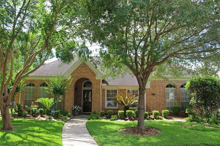 4322 Mountain Flower Court, Houston, TX 77059