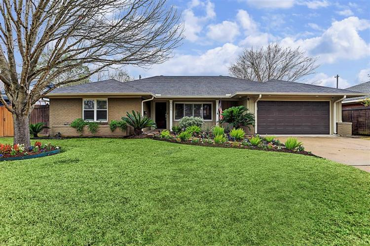 4605 Willowbend Boulevard, Houston, TX 77035 - Image 1