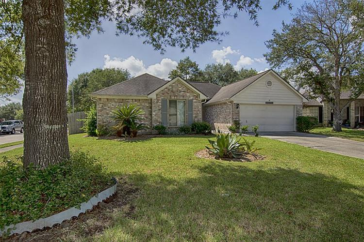 16010 Copper Canyon Drive, Friendswood, TX 77546