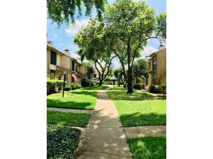 712 Country Place Drive Houston, TX MLS# 31523100
