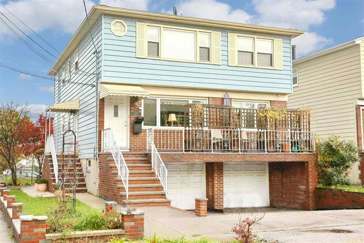 232 AVENUE F, Bayonne, NJ 07002