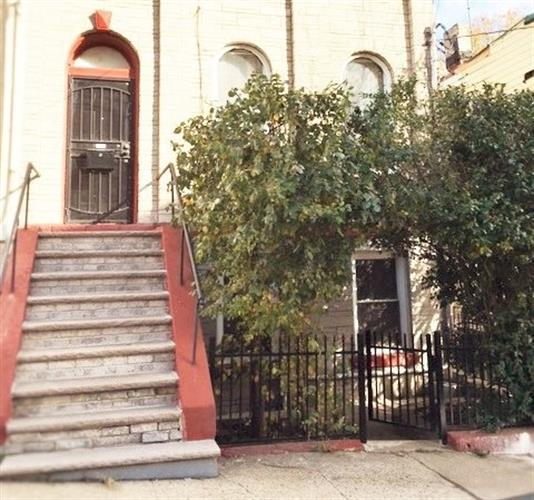 16 IVY PL, Jersey City, NJ 07304