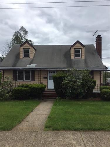 baths 2 0 taxes 8408 sq ft find similar listings in paterson nj
