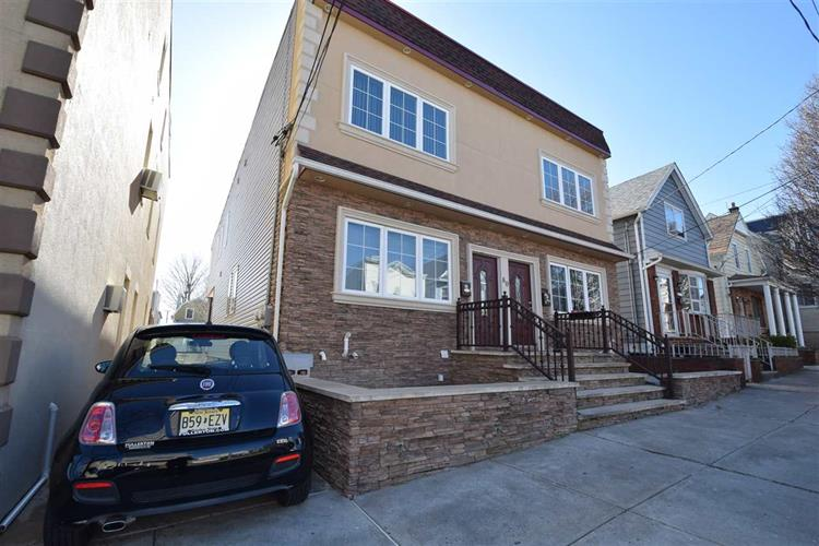 78-80 EAST 26TH ST, Bayonne, NJ 07002