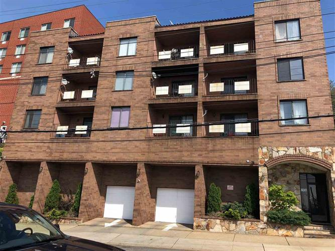 1906 PATERSON PLANK RD, Unit 2D, North Bergen, NJ 07047
