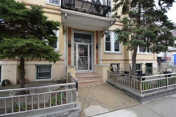 194-196 PEARSALL AVE, Unit 8, Jersey City, NJ 07305