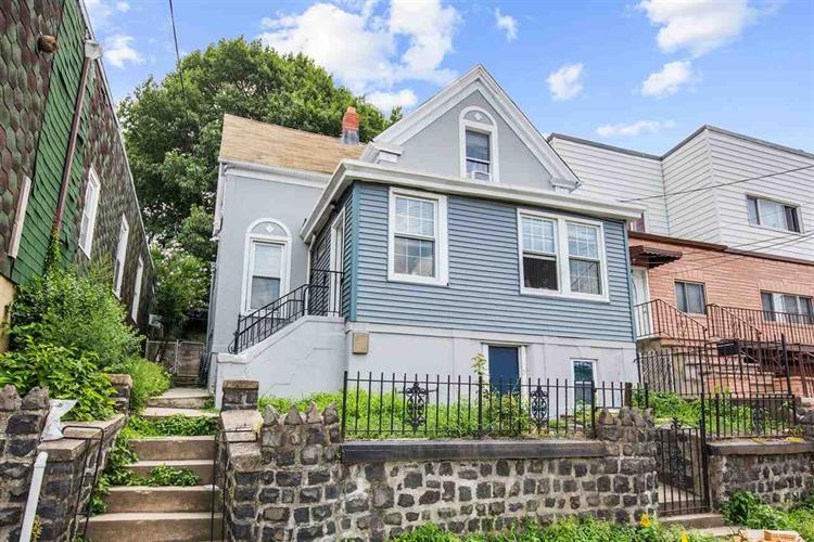 904 LIBERTY AVE, North Bergen, NJ 07047