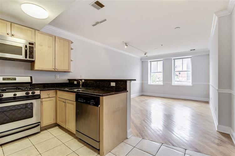 807 CLINTON ST, Unit 3B, Hoboken, NJ 07030