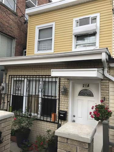 214 19TH ST, Union City, NJ 07087