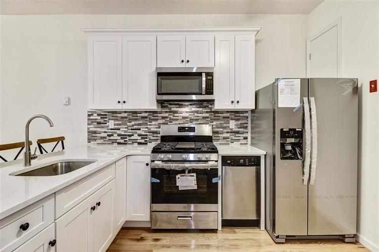 35 POPLAR ST, Unit 2R, Jersey City, NJ 07307 - Image 1