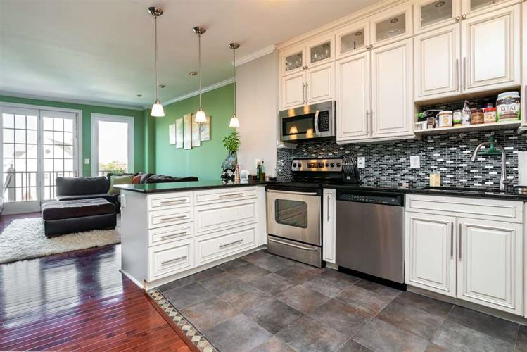 111 SHEARWATER CT EAST, Unit 34, Jersey City, NJ 07305 - Image 1
