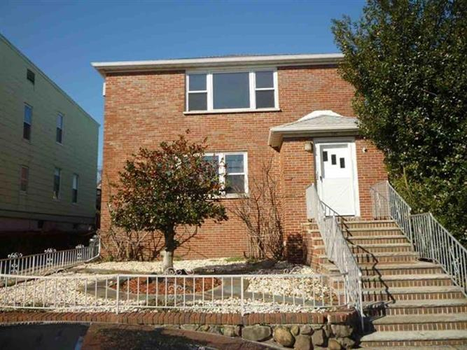 129-131 LEXINGTON AVE, Bayonne, NJ 07002