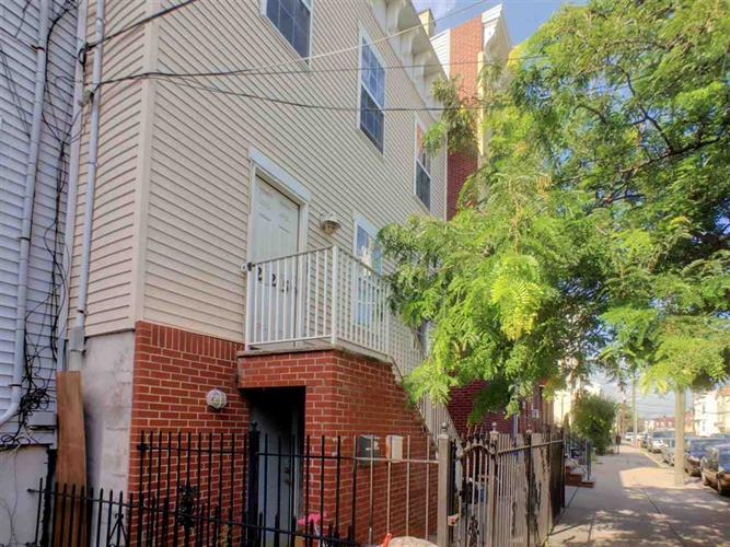 225 HALLADAY ST, Unit 2, Jersey City, NJ 07304