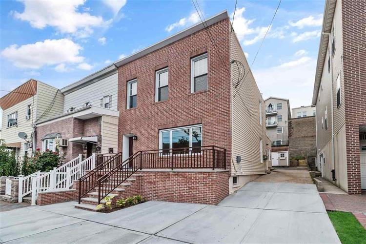 550 LIBERTY AVE, Jersey City, NJ 07307 - Image 1