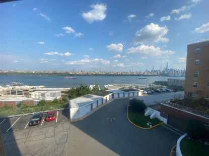 8700 BLVD EAST, Unit 3E North Bergen, NJ MLS# 202020056