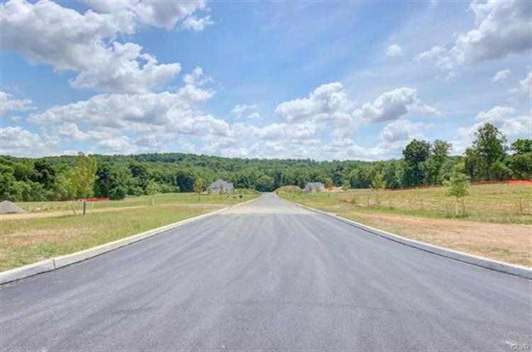 5031 Hunter Lot #4 Lane, Emmaus, PA 18049