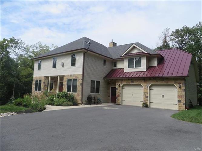 2696 Wassergass Road, Hellertown, PA 18055