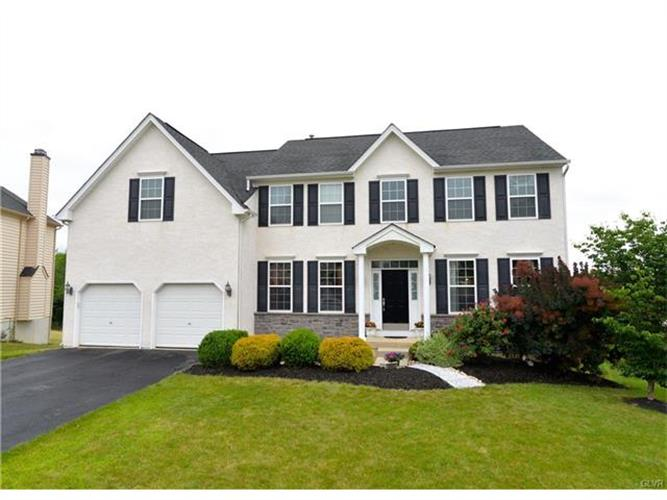 8685 Thornton Drive, Upper Macungie Twp, PA 18031
