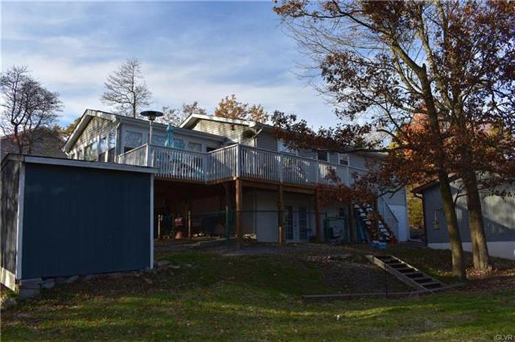 122 Country Court, Long Pond, PA 18334