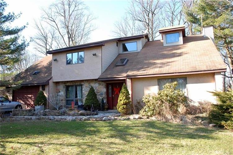 6733 Lower Court, Washington Township, PA 18080