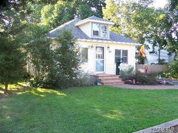 meet sayville singles Looking for recently sold homes in the sayville neighborhood in sayville, ny realtorcom® has sayville sold property listings and related information right here.