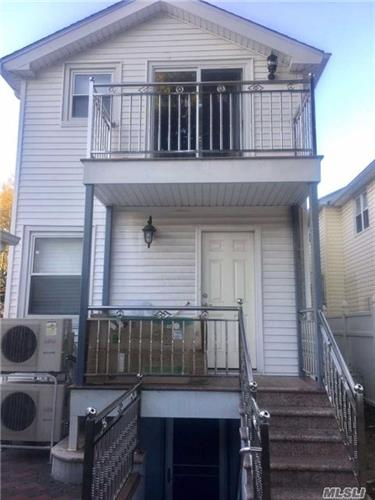 160-10 79th Ave, Fresh Meadows, NY 11366