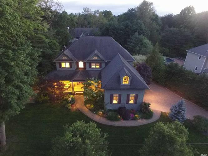 187 Huntington Bay Rd, Huntington, NY 11743