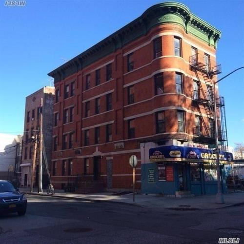 901 40 Ave, Long Island City, NY 11101