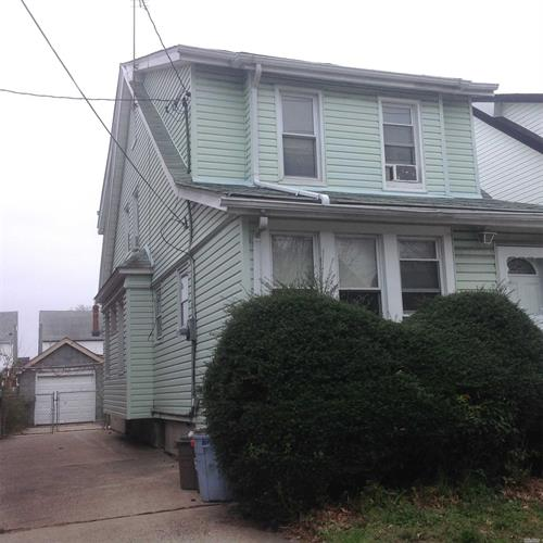 89-44 212 St, Queens Village, NY 11427